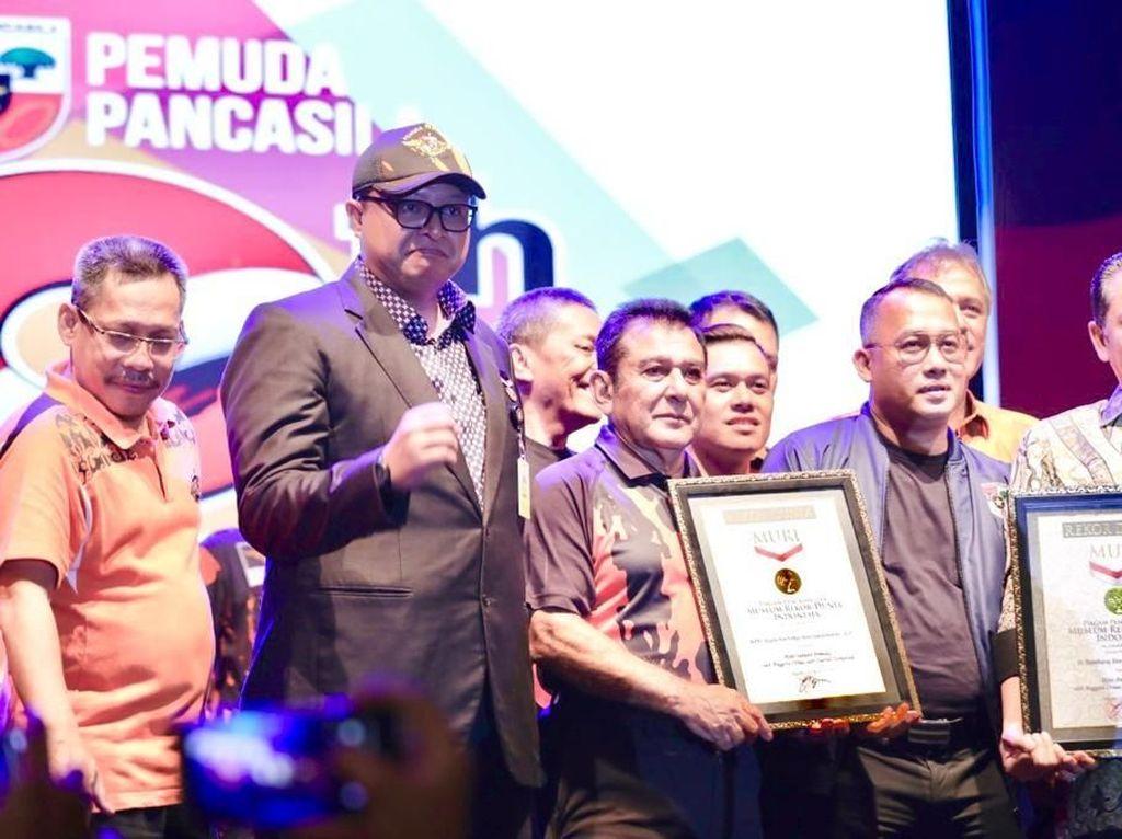 Ucap Ikrar Terbanyak, Pemuda Pancasila Terima 2 Penghargaan MURI
