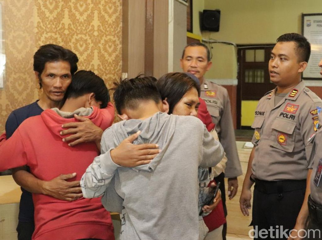 Belasan Anak yang Akan Tawuran di Surabaya Dikembalikan ke Orang Tuanya