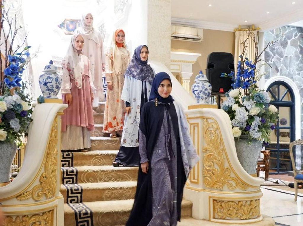 Elzatta Rilis Koleksi Baju Muslim Bermotif Batik Kawung