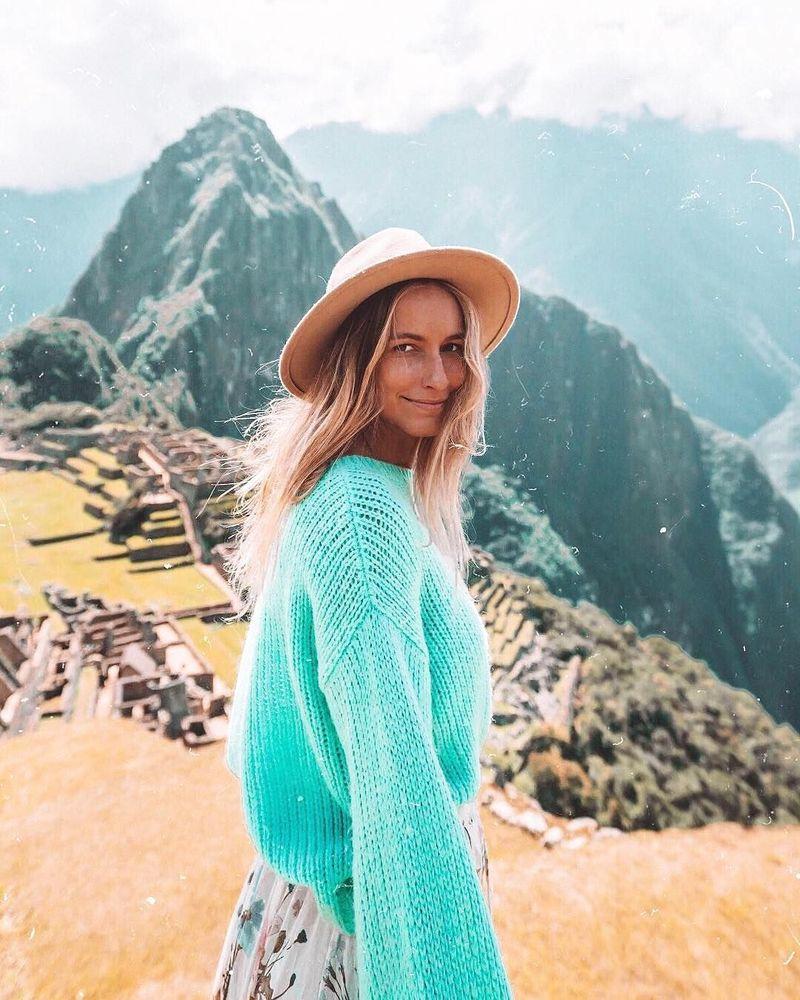 Berasal dari Byron Bay, Australia, Sarah memiliki nama Instagram @saltyluxe. Memiliki pengikut sebanyak 345 ribu di Instagram, Sarah memiliki engagement rate yang cukup baik sebesar 3,04% (@saltyluxe/Instagram)