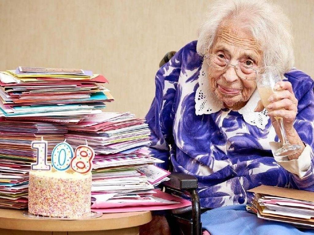 Nenek Berusia 108 Tahun Beberkan Rahasia Panjang Umurnya