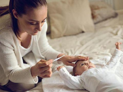 Ilustrasi anak demam