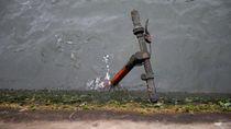 Potret Sampah Skuter di Sungai Paris