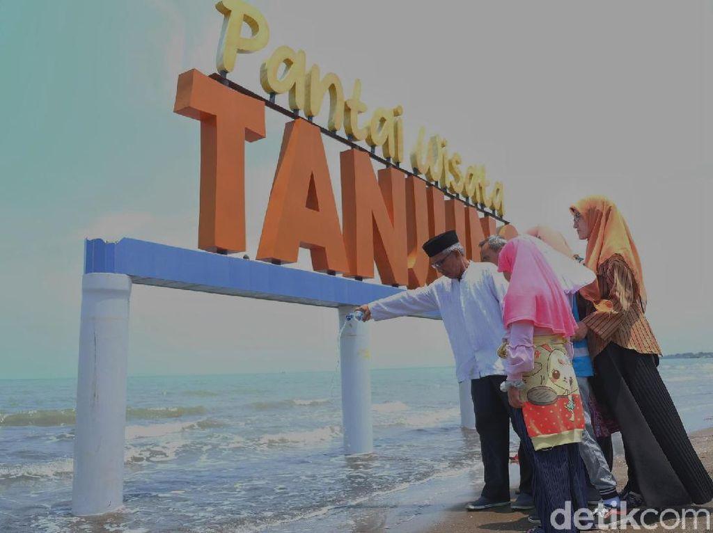 Setahun Tragedi Lion Air, Keluarga Korban Berdoa di Tanjungpakis
