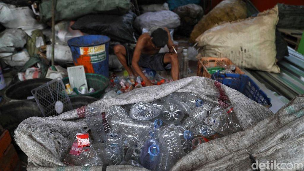 Memilah Sampah Sebelum Dibuang ke Bantargebang