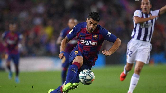 Barcelona didesak mencari pengganti Luis Suarez, yang akan absen selama empat bulan. (Foto: Alex Caparros/Getty Images)