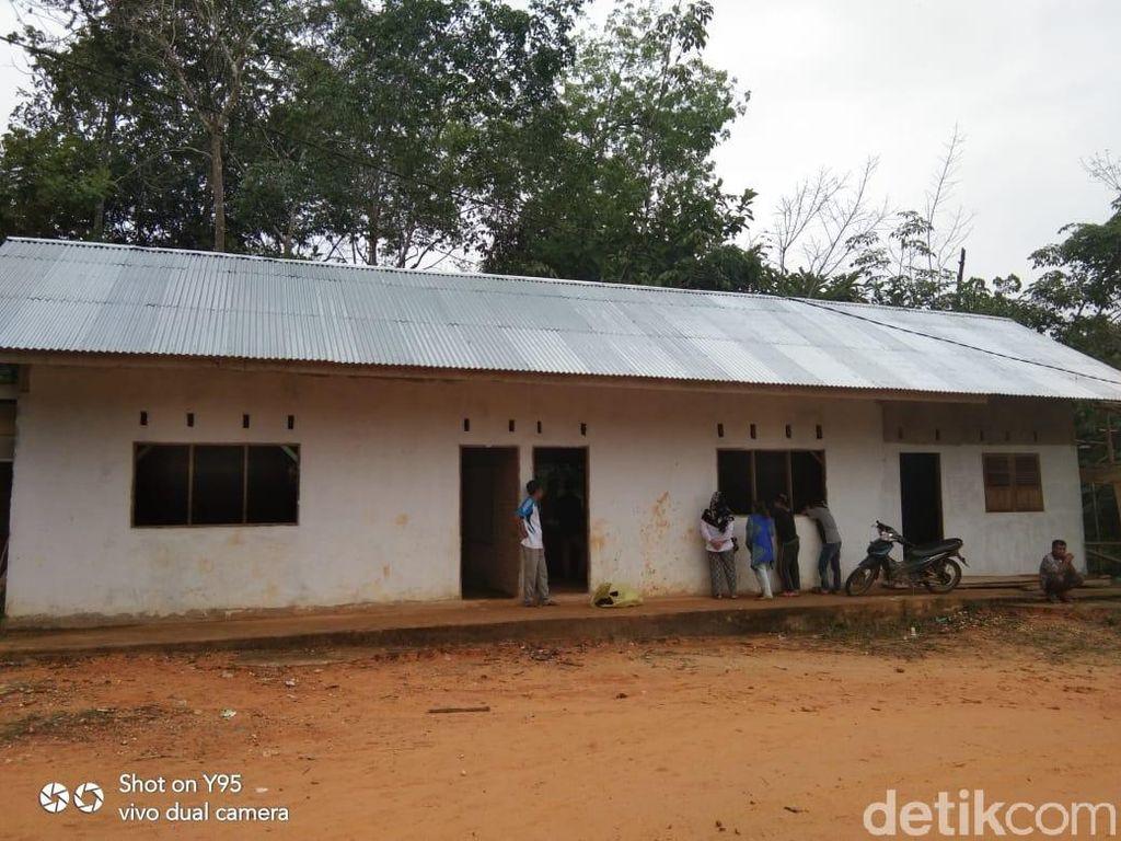 SD di Kampar Riau yang Berlantai Tanah Kini Sudah Kinclong
