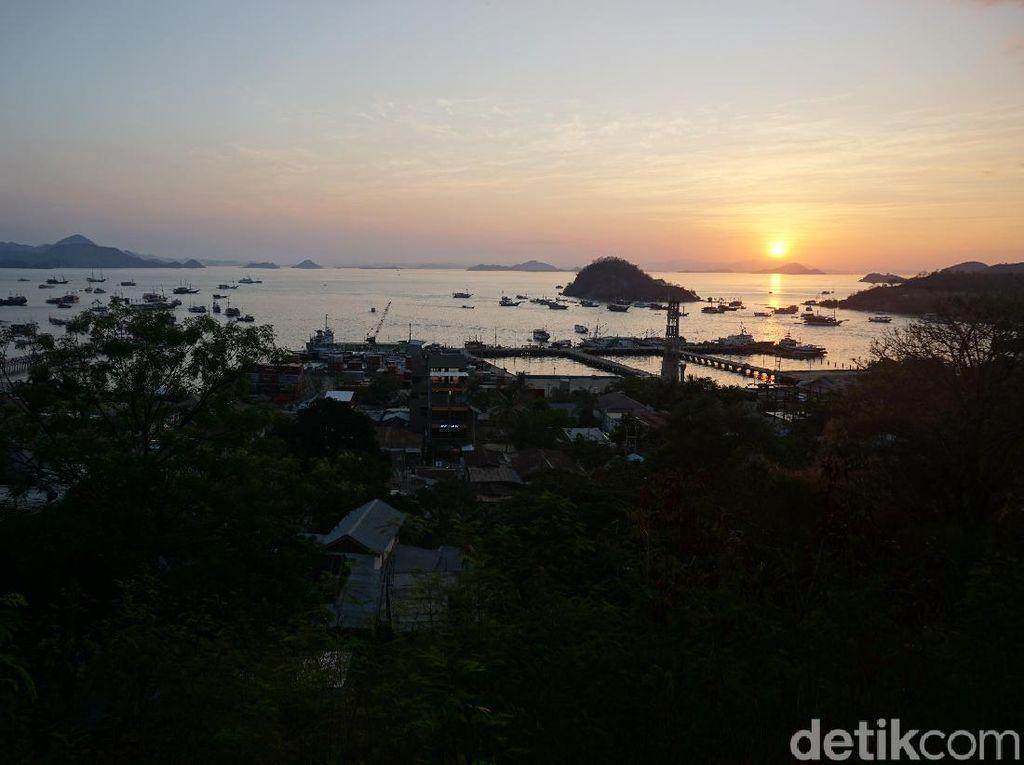 Foto: Dua Tempat Lihat Sunset Memesona di Labuan Bajo