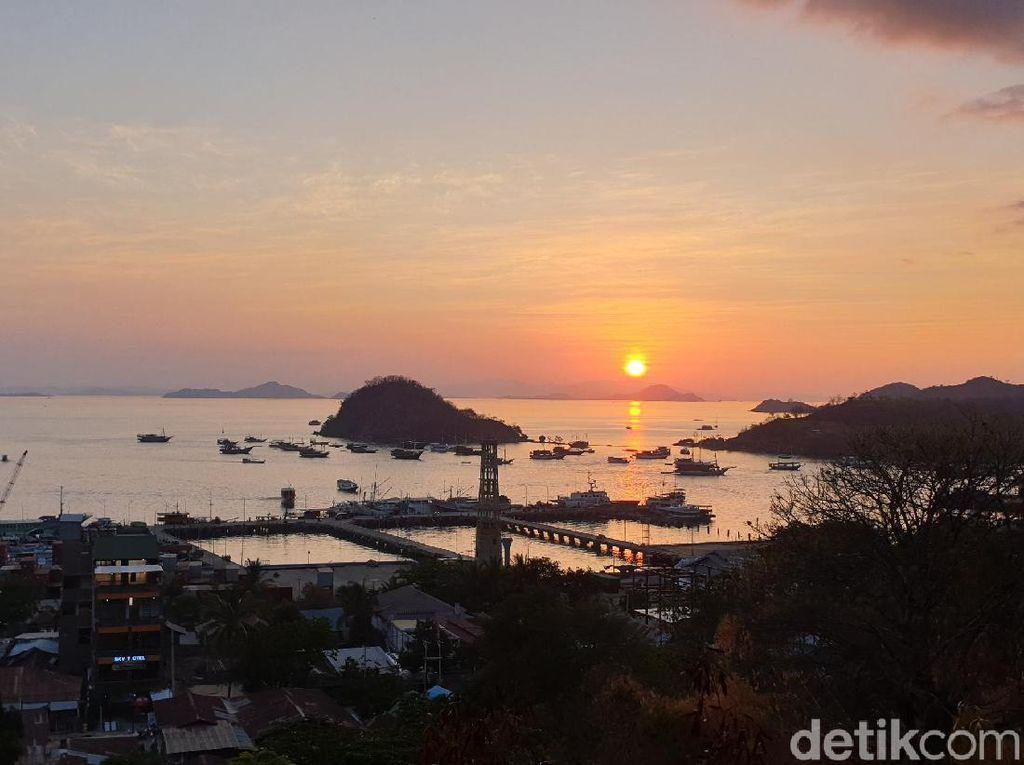 2 Spot Menikmati Sunset Memesona di Labuan Bajo