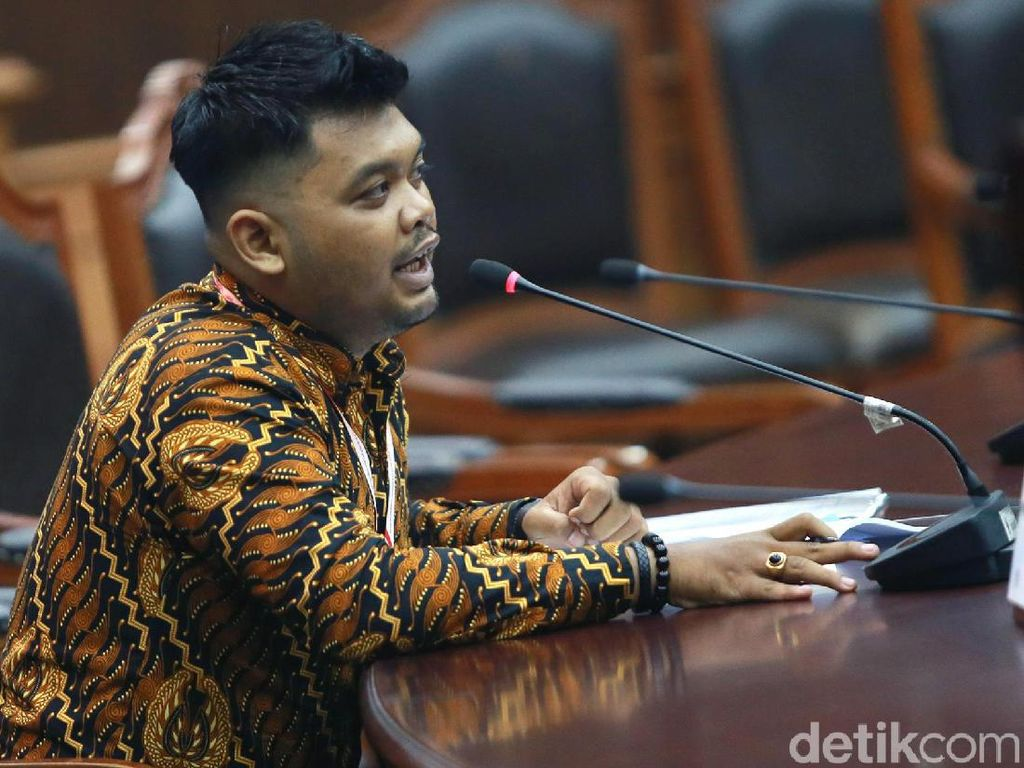 Advokat dari Bekasi Jalani Sidang Uji Formil UU KPK