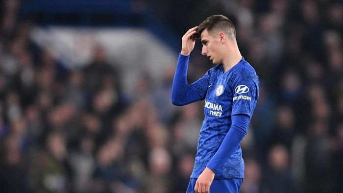 LONDON, ENGLAND - OCTOBER 30: Mason Mount of Chelsea reacts during the Carabao Cup Round of 16 match between Chelsea and Manchester United at Stamford Bridge on October 30, 2019 in London, England. (Photo by Michael Regan/Getty Images)