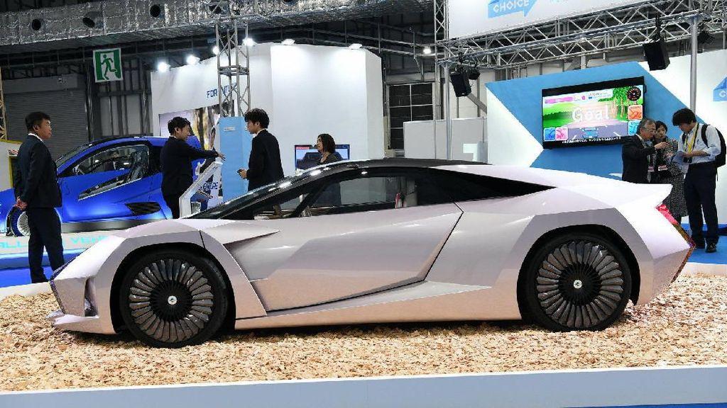 Sportcar yang Dibuat Dari Limbah yang Didaur Ulang