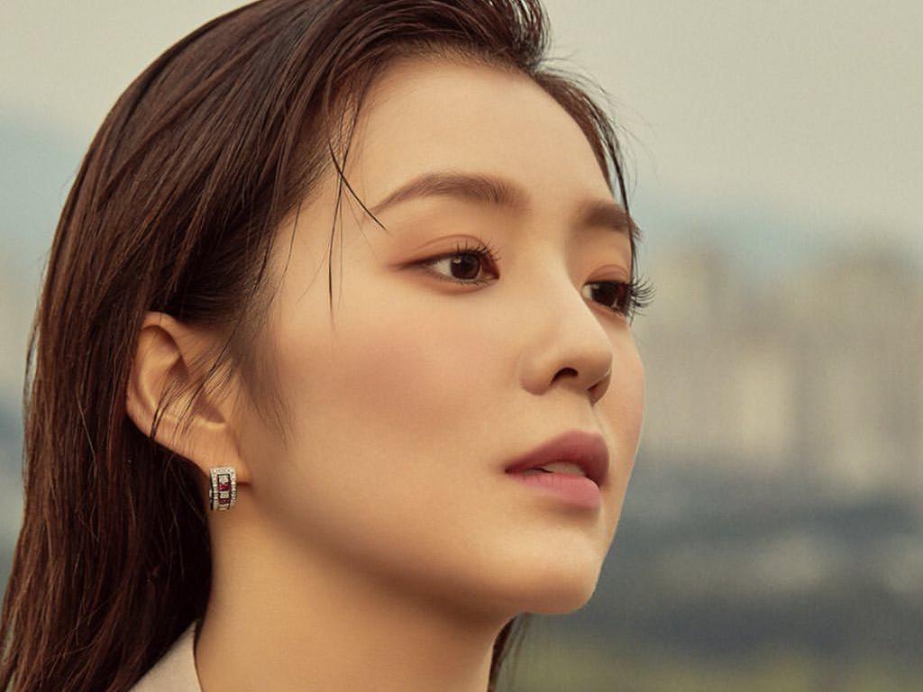 Pesona Kecantikan Irene Red Velvet yang Wajahnya Sering Ditiru untuk Oplas