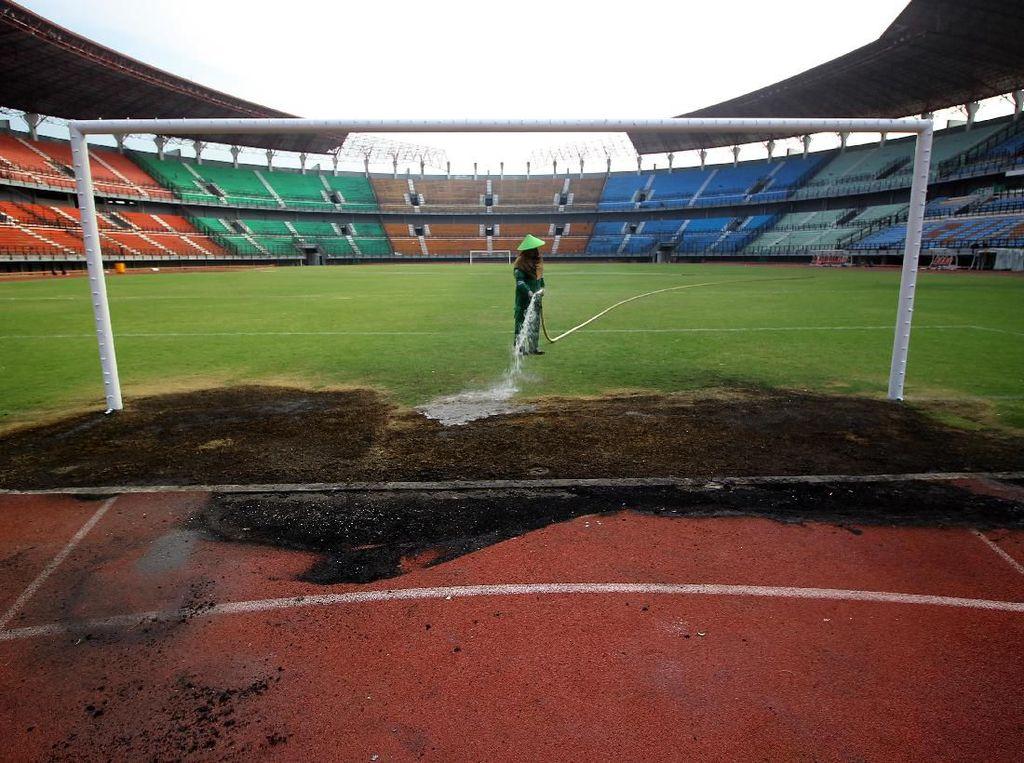 Perbaikan Stadion Gelora Bung Tomo Pascarusuh