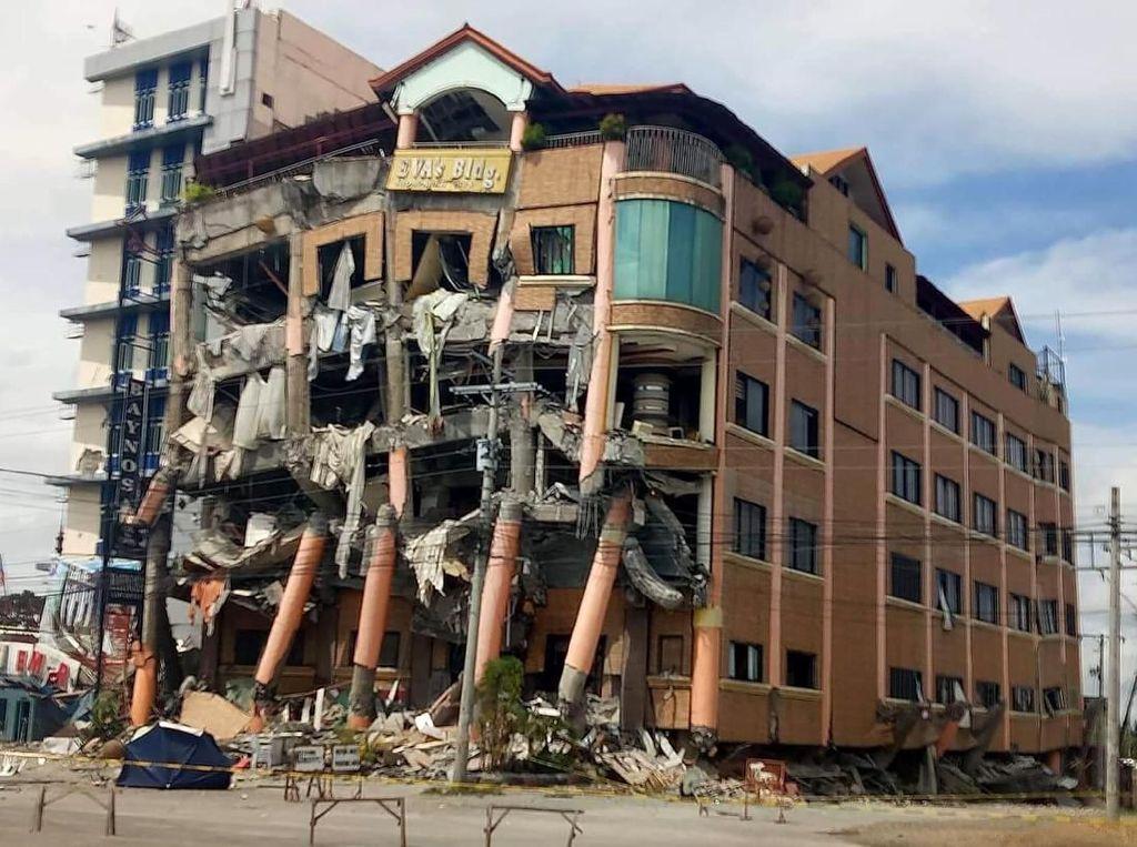 5 Orang Tewas Akibat Gempa Bumi M 6,5 di Filipina Selatan