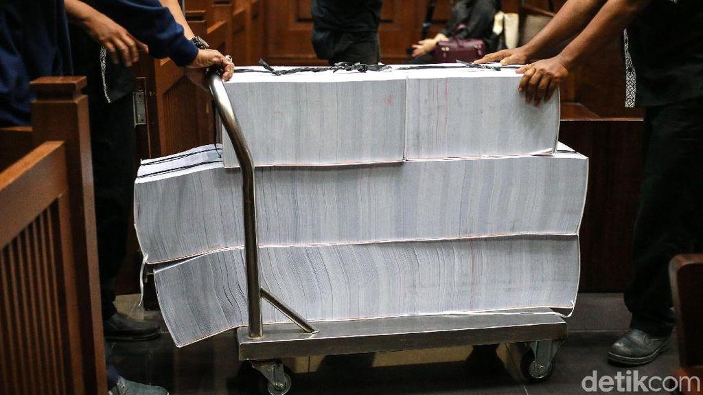 Tumpukan Berkas Perkara Wawan di Kasus Alkes dan TPPU