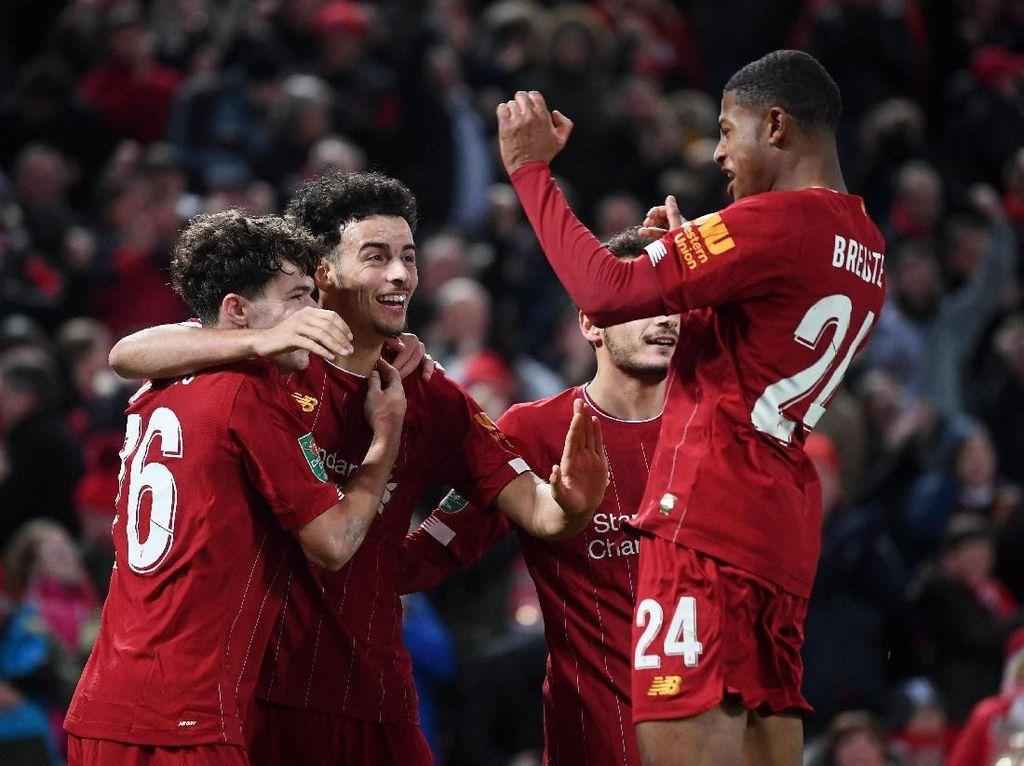Piala Liga atau Piala Dunia Antarklub? Liverpool Bisa Turunkan 2 Tim Berbeda