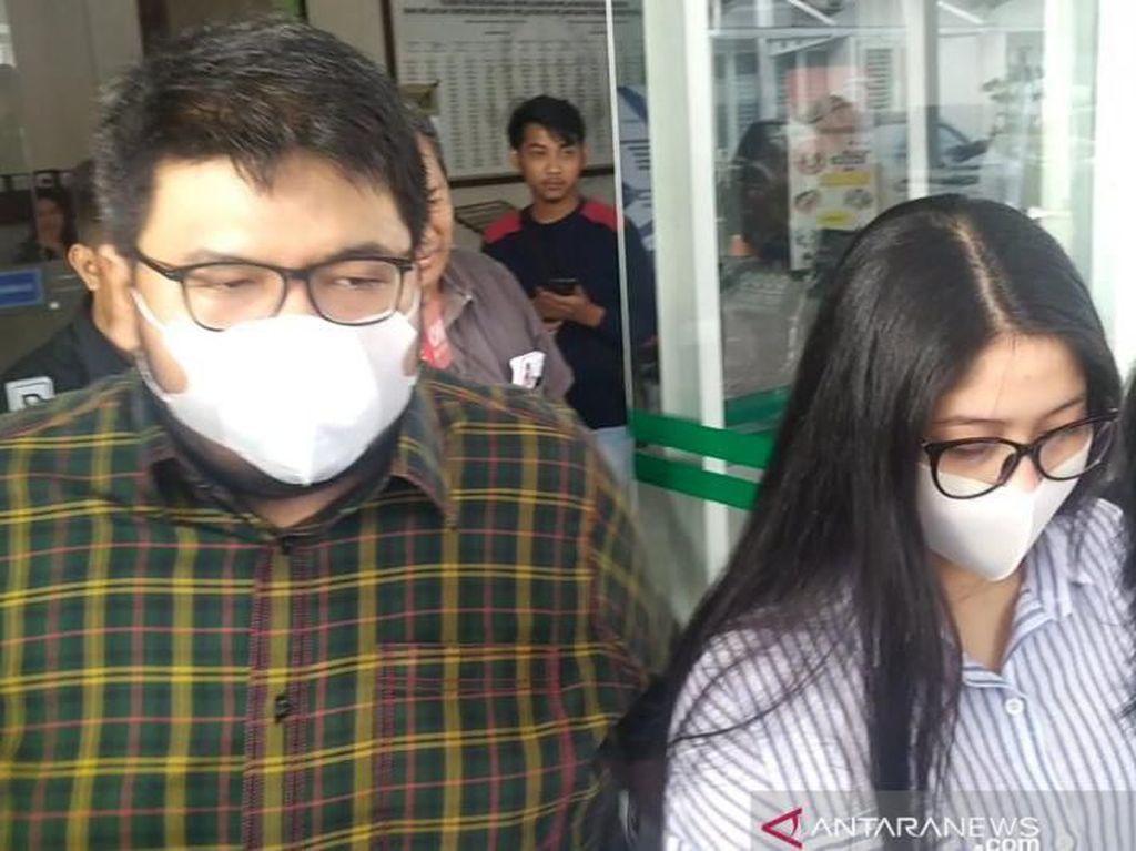 Bermasker, 2 Anak Walkot Medan Bungkam Usai Diperiksa KPK