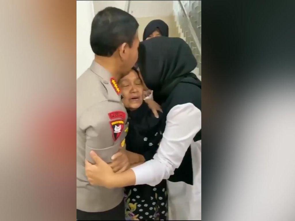 Penuh Haru, Saat Idham Azis Dipeluk Hangat Sang Istri dan Ibunda