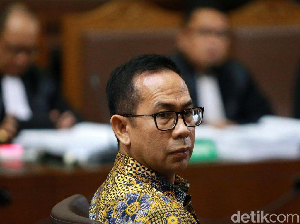 Ekspresi Wawan Didakwa Korupsi Pengadaan Alkes di Banten