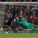 Debut Edan Kelleher di Anfield: Kebobolan 5 Gol, Lalu Tepis Penalti