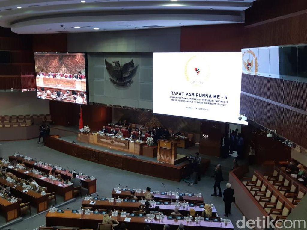 Paripurna Penetapan Kapolri Komjen Idham Dihadiri 361 Anggota Dewan
