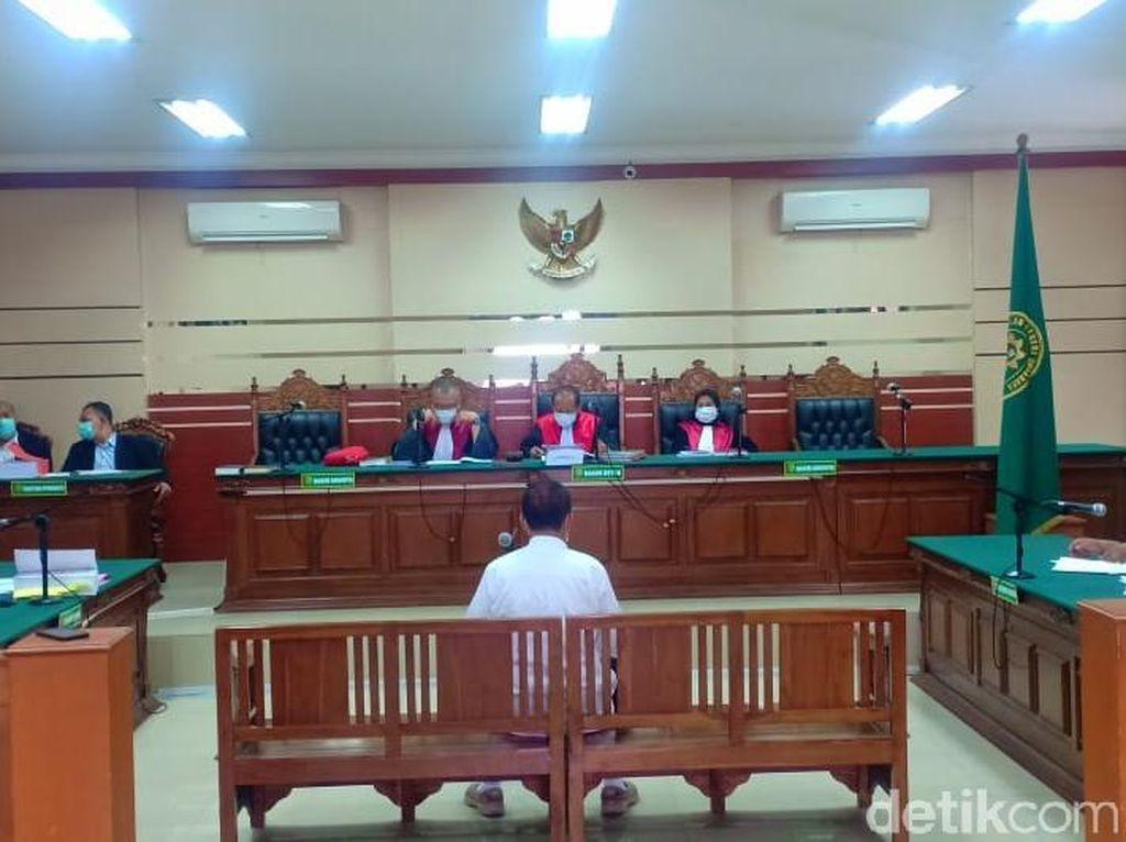 Bos Media di Surabaya Jalani Sidang Perdana Kasus Korupsi Rp 7,3 M