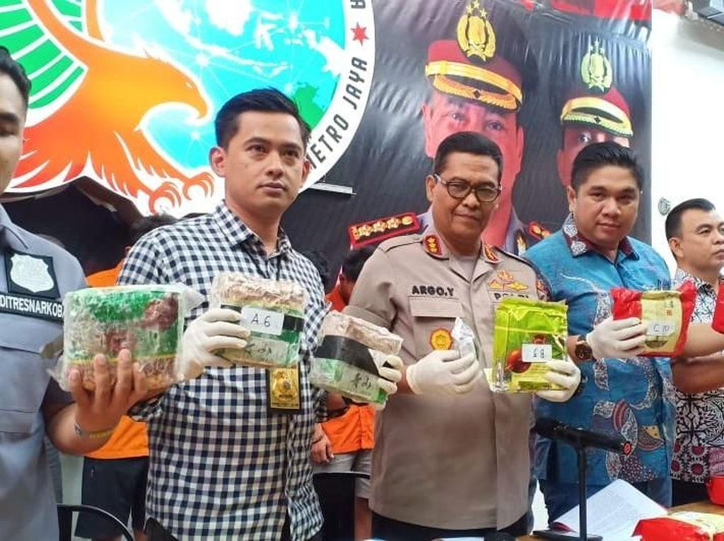 Polisi Tangkap 4 Penyelundup Narkoba, Sita 21 Kg Sabu Dari Malaysia