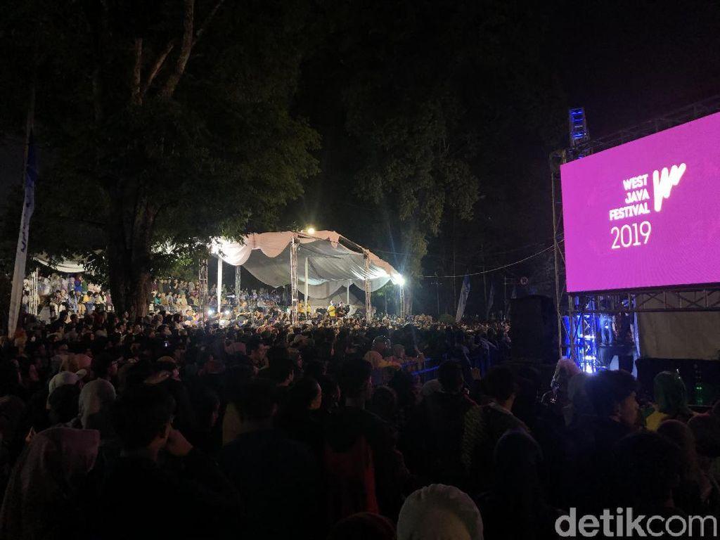 Karnaval Budaya dan Panggung Hiburan Meriahkan West Java Festival
