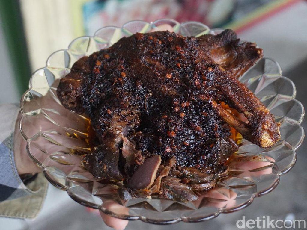 Ini Ciri Khas Bebek Madura, yang Beda Dengan Bebek Surabaya