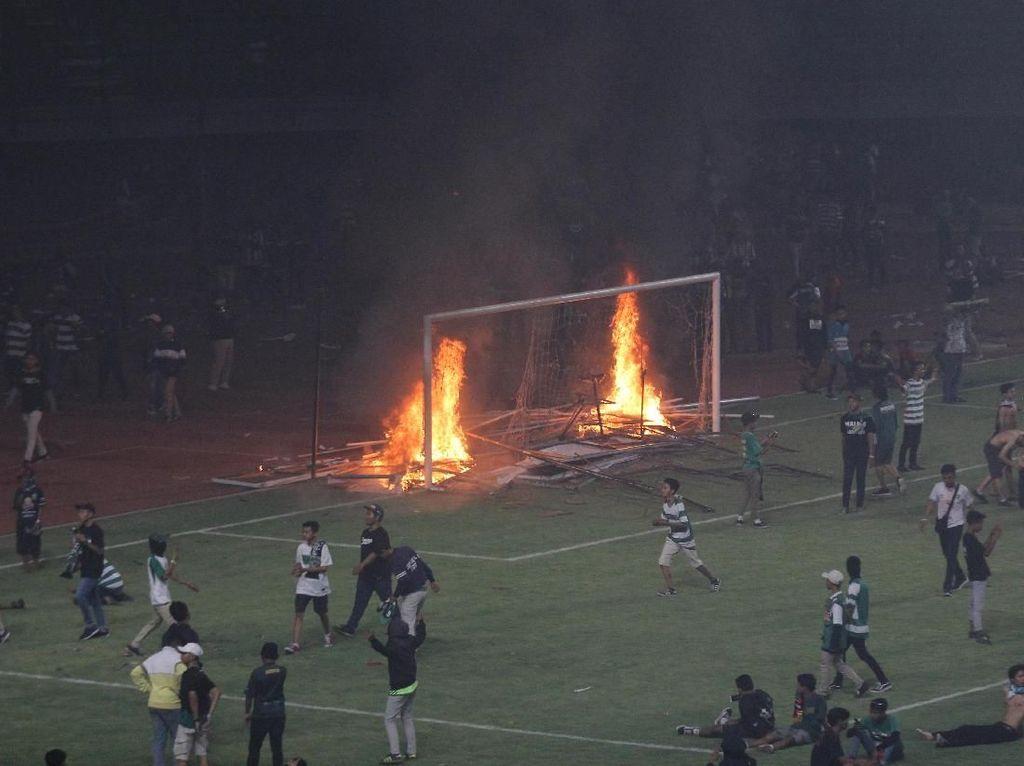Polisi Belum Tetapkan Tersangka Pembakaran di  Stadion GBT