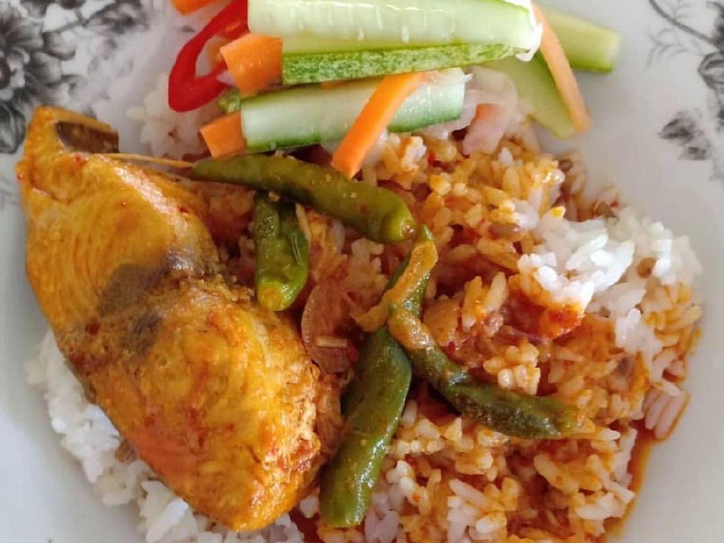 Enaknya Sarapan Nasi Dagang, Perut Kenyang Senanglah Hati