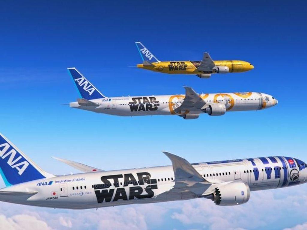 Potret Pesawat Star Wars di Langit Bumi