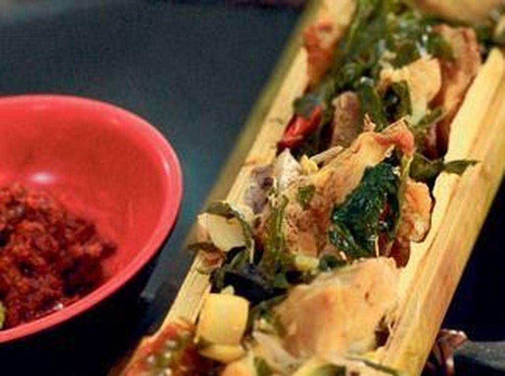 Harum Sedap, 5 Masakan Khas Indonesia Ini Dimasak Dalam Bambu