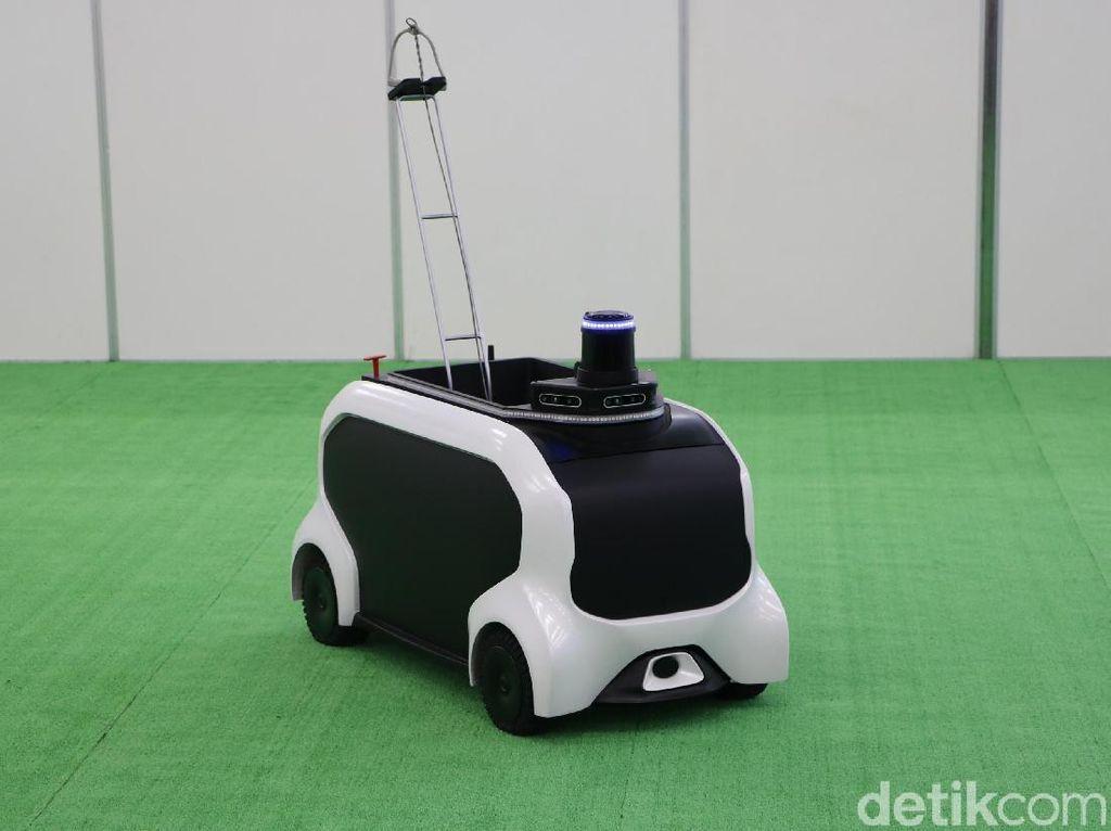 Kerennya Saat Robot Kecil Toyota Beraksi