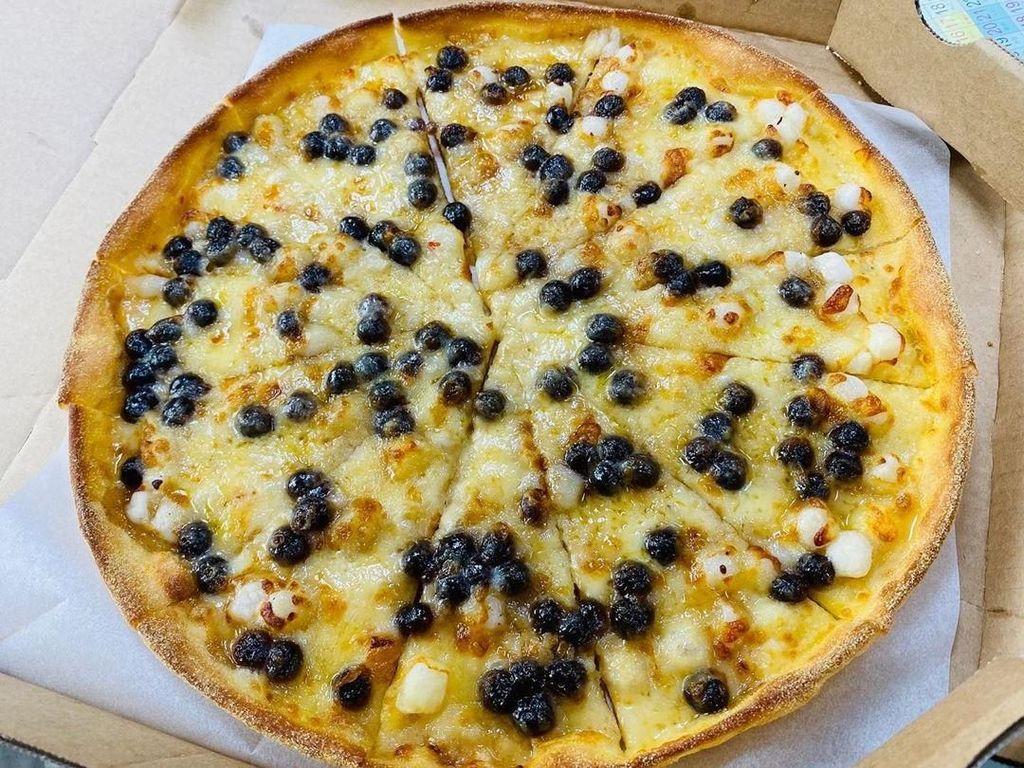Mau Coba? Pizza Ini Diberi Topping Boba Brown Sugar