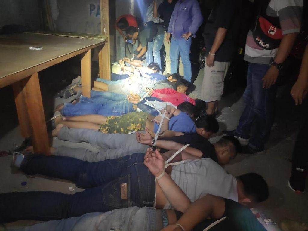 11 Preman yang Kerap Palak Pedagang Ditangkap Polisi di Jakbar