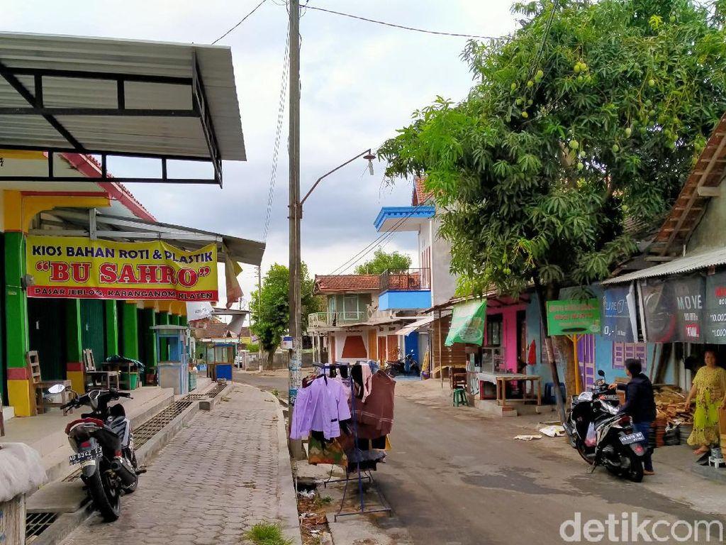 Terekam CCTV, 2 Pencuri Gasak Uang Jutaan di Pasar Jeblog Klaten