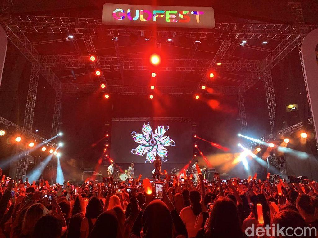 Tampil di GudFest, iKon: Kita Cinta Indonesia