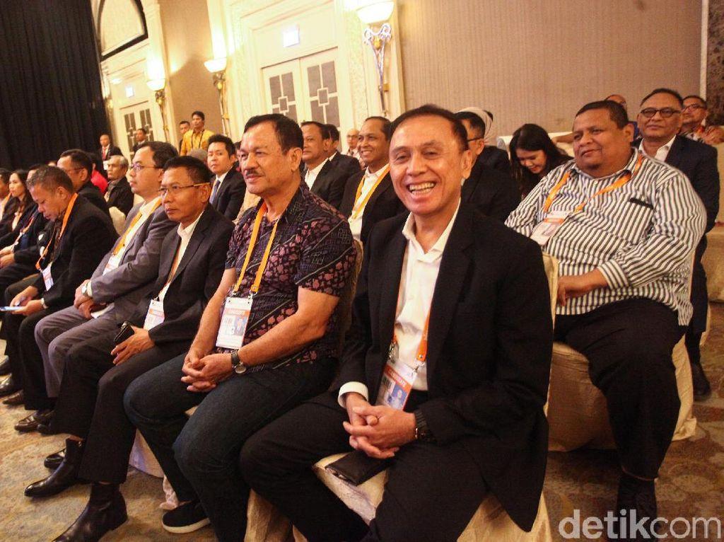 Iwan Bule Sekretaris Lemhannas Itu Kini Juga Ketua Umum PSSI