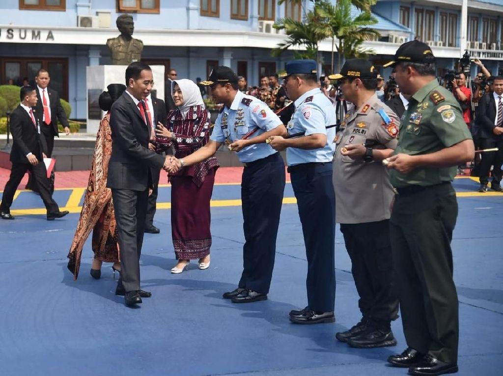 Jokowi Bertolak ke Thailand Hadiri Rangkaian Acara KTT ke-35 ASEAN