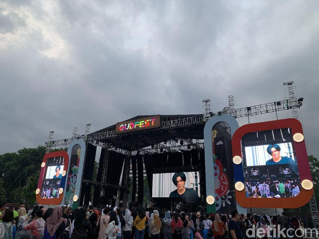 Kuy! Malam Minggu Bareng iKon di GudFest 2019