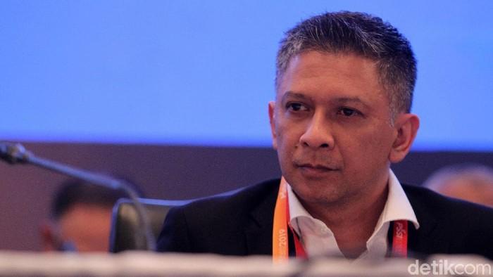 Mochamad Iriawan alias Iwan Bule terpilih sebagai Ketua Umum PSSI periode 2019-2023. Pemilihan Ketua Umum PSSI dilaksanakan dalam Kongres Luar Biasa (KLB) pemilihan PSSi di Hotel Shangri-La, Jakarta, Sabtu (2/11/2019). Iwan Bule didampingi dua orang wakil yaitu Cucu Sumantri dan Iwan Budianto.