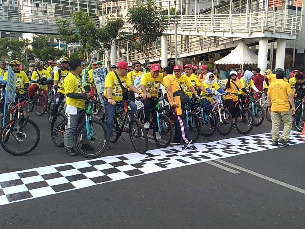 Sepeda Santai Ramaikan Hari Bantuan Hukum Nasional
