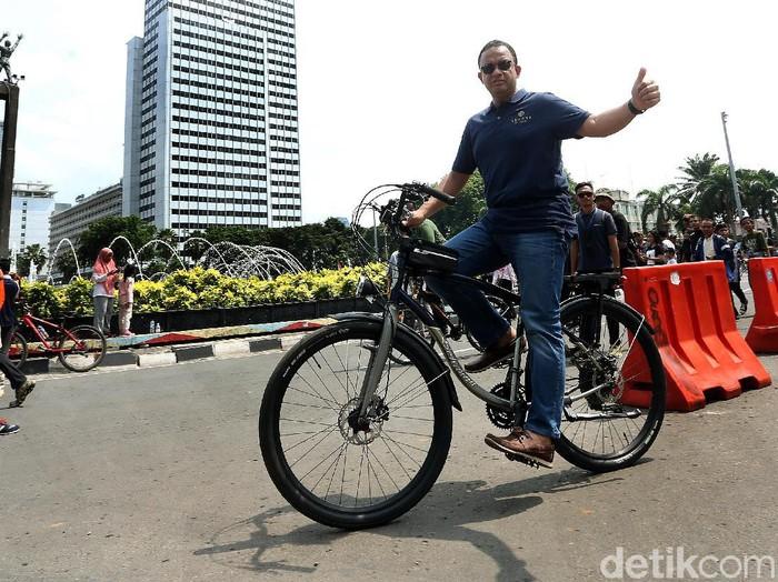 Anies Minta Karyawan Naik Sepeda ke Kantor Diberi Insentif