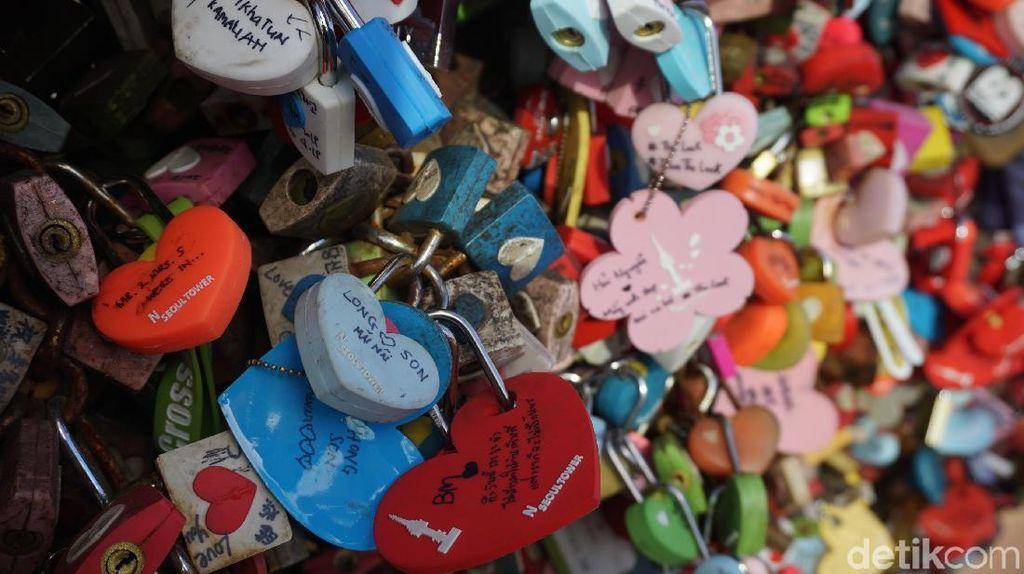 Foto: Gembok Cinta (Karatan) di Korea Selatan