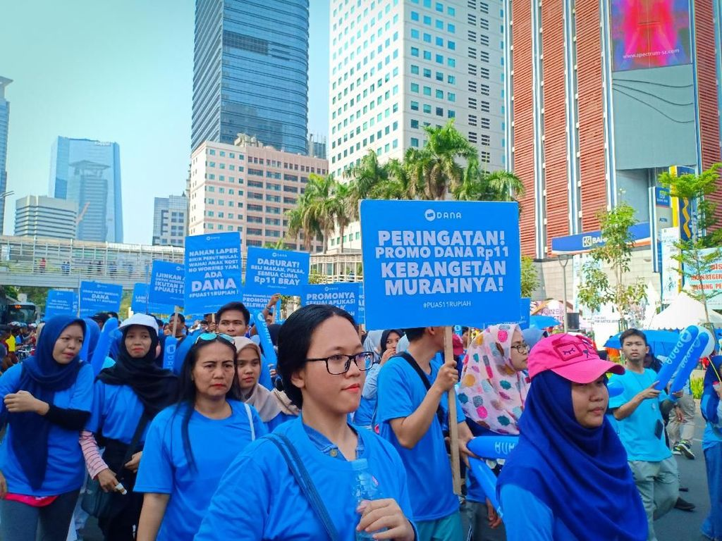 DANA Gelar Parade, Sudirman-Thamrin Membiru