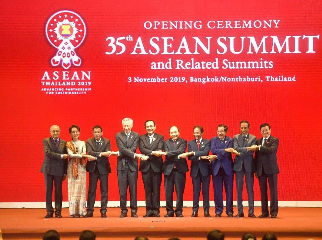 Presiden Jokowi Hadiri Pembukaan KTT ke-35 ASEAN di Bangkok