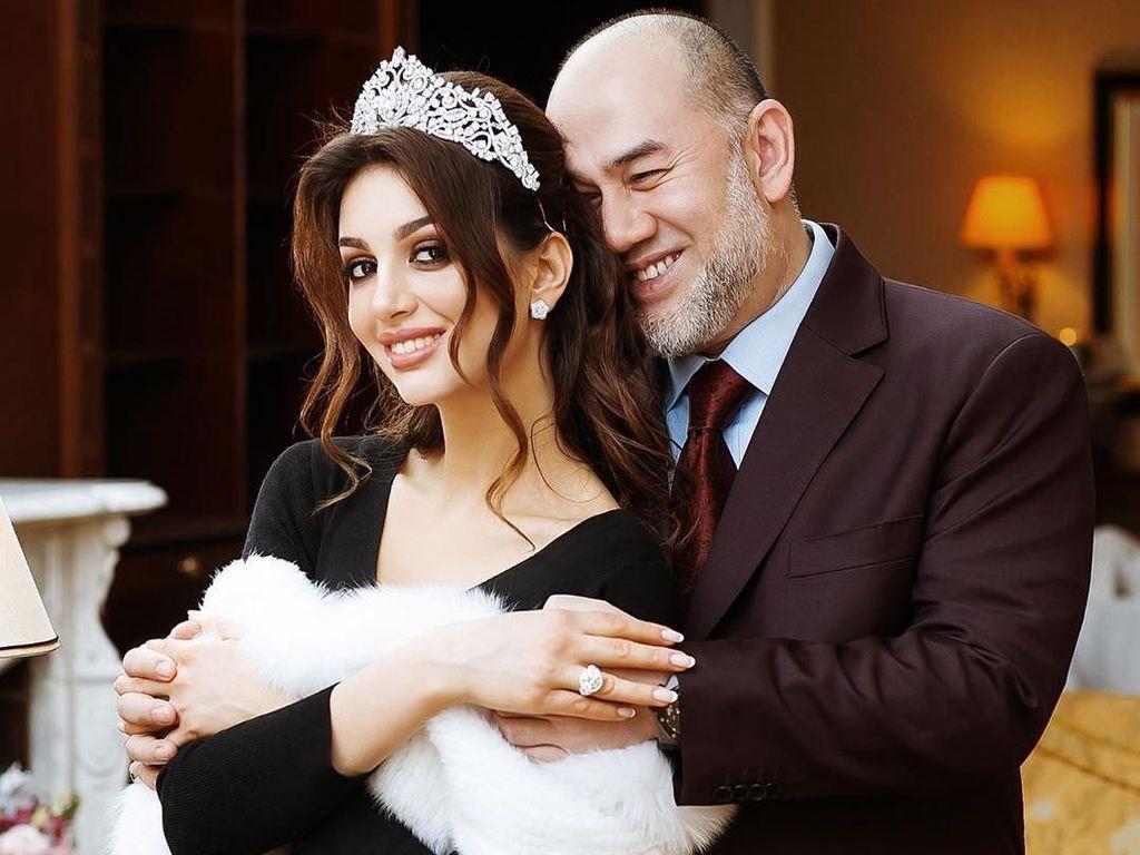 Miss Moscow Dilarang Unggah Foto Anak yang Tak Diakui Sultan Kelantan