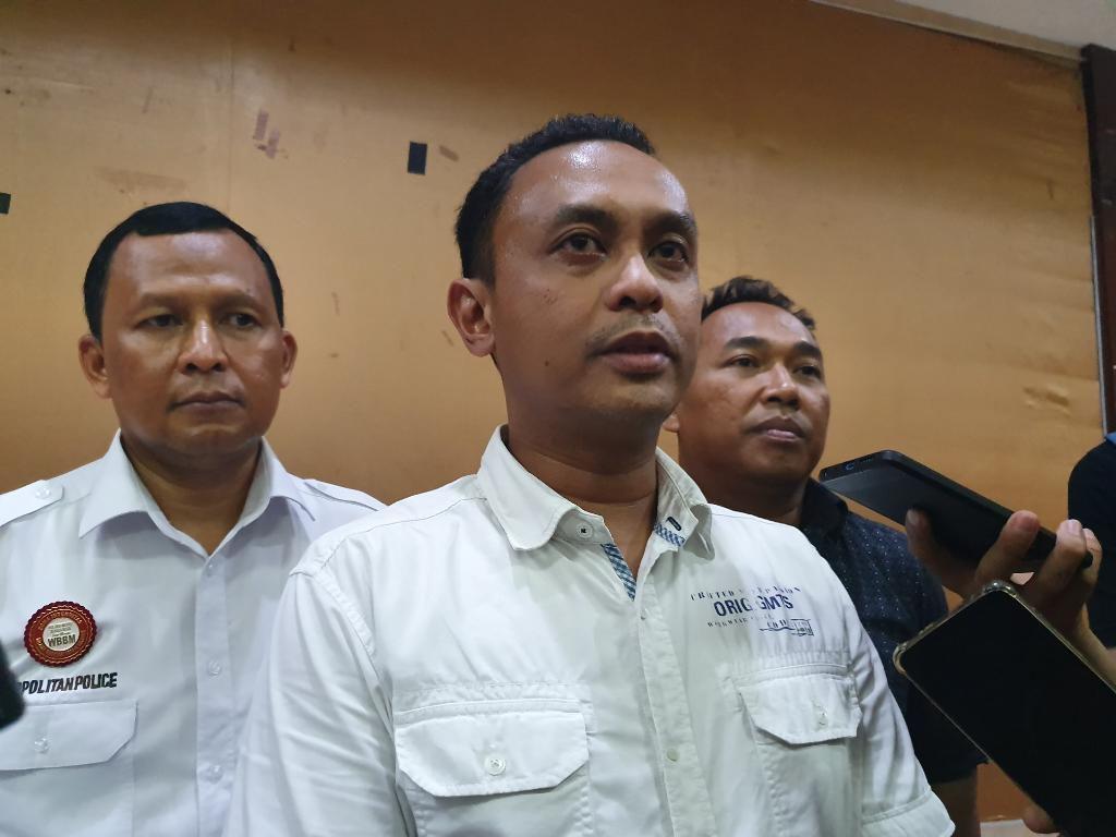 Polisi Periksa Guru SMA di Bekasi yang Viral Pukuli Siswa karena Terlambat